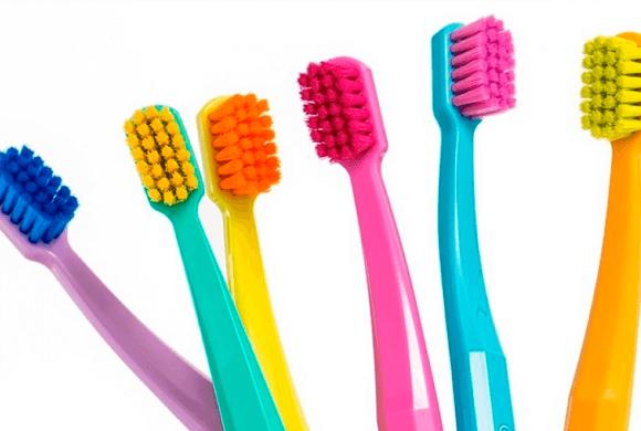 Saiba quais cuidados você deve ter com sua escova de dentes